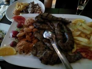 150801 022 schotel lamsvlees bij de Griek