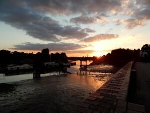 082 Thames