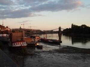 084 Thames