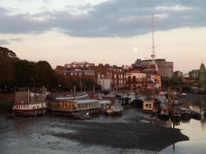 092 Thames