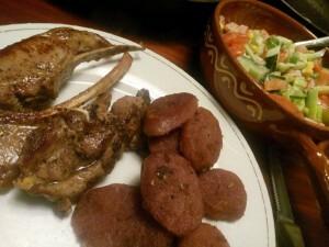 151017 061 lamskoteletten en gebakken rode aardappelen