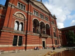 260 Victoria & Albert Museum