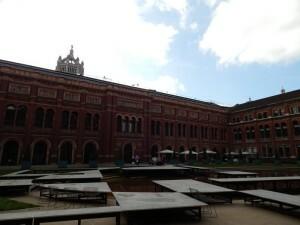 261 Victoria & Albert Museum