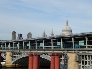 530 Blackfriars train bridge