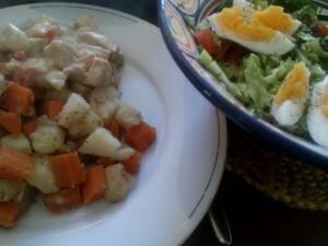 160420 090 kip in blauwe roomkaassaus met aardappel-wortel-knolselderij