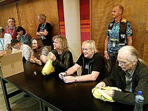 41 Yes meet - AlanWhite JonDavison BillySherwood GeoffDownes SteveHowe