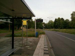 160608 371 bushalte 06.40