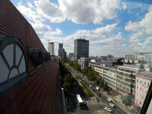 0021 uitzicht vanuit DeKaWe op de Tauentzienstrasse