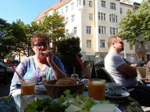 0380 Frühstück bij de Backstube op de hoek
