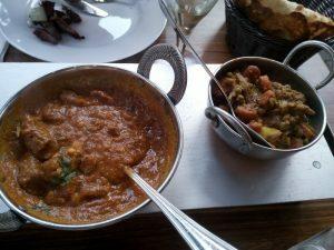 160723 064 lamscurry met ananas en cashew bij het Indiaas restaurant