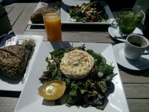 05 salade gegrilde camembert