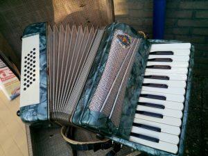 160823 297 mijn accordeon gaat ook weg