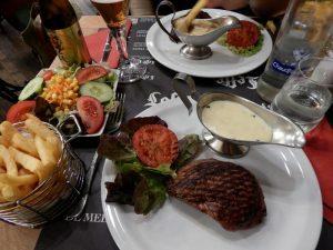 020 Restaurant La Porteuse d'Au - steak met frieten