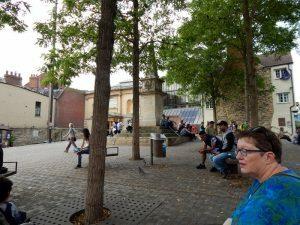 324 Bonn Square