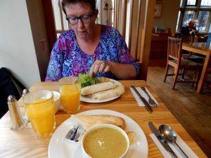 548 pastinaaksoep en panini in Cafe Loco