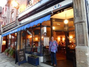 692 Little Clarence Street - Pierre Victoire bistrot