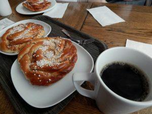 184 Kafe och kanelbullar