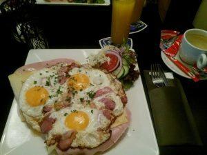 165-ontbijt-in-de-kromme-toeter