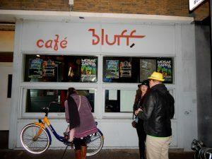 015-cafe-bluff