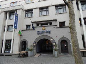 038-hotel