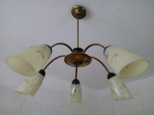 170107-040-lamp-die-we-al-vanaf-ons-eerste-huis-in-de-woonkamer-hebben