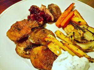 eendenborst met groenten uit de oven (pastinaak, venkel, gele en rode biet, gele en rode wortel