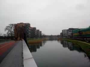 langs het kanaal