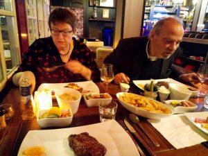 met Bob en Ank entrecote eten