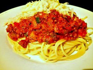 spaghetti met bolognesesaus en parmesan